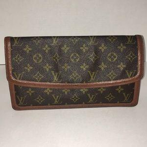 Louis Vuitton Monogram Authentic Vintage Clutch